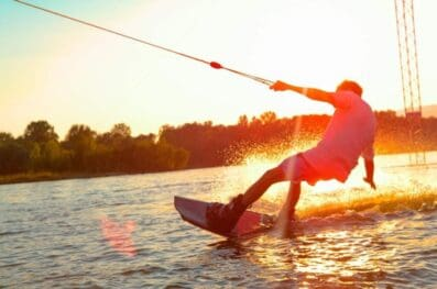 A Step-By-Step Guide to Tying a Wakeboard Rope