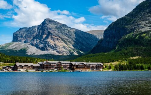 Best Lodging Options in and around Glacier National Park 2021
