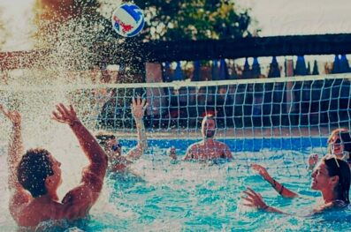A Guide to Playing Water Volleyball