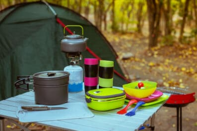 How to Clean Camping Cookware (Titanium, Cast Iron, Stainless)