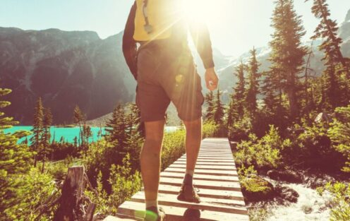 6 Tips for Hiking Without a Backpack